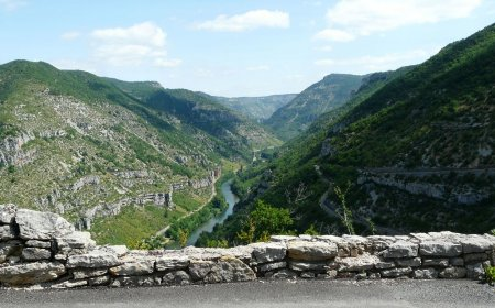 Tour en motocicleta en Cévennes y Ardèche
