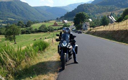 Auvérnia e Cevenas em motocicleta