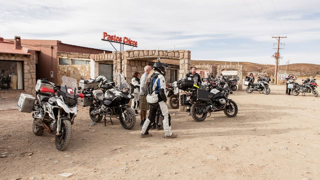 guide adventure motorcycle travel