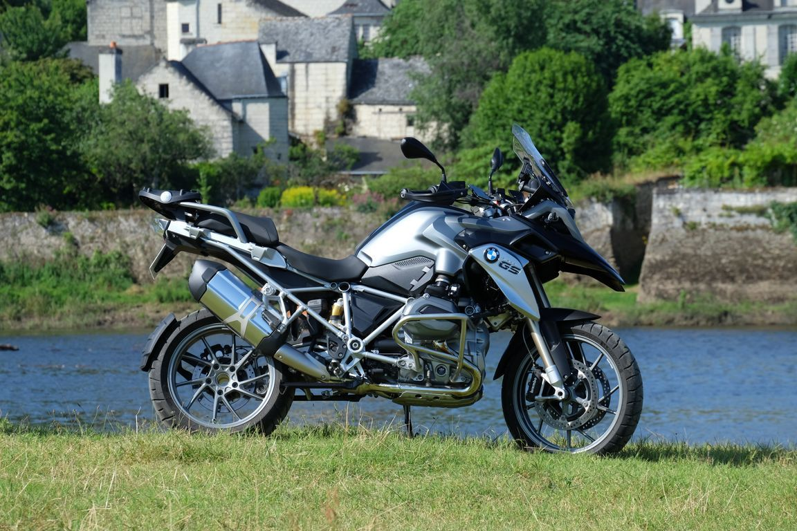 Motorcycle tours & rental in France