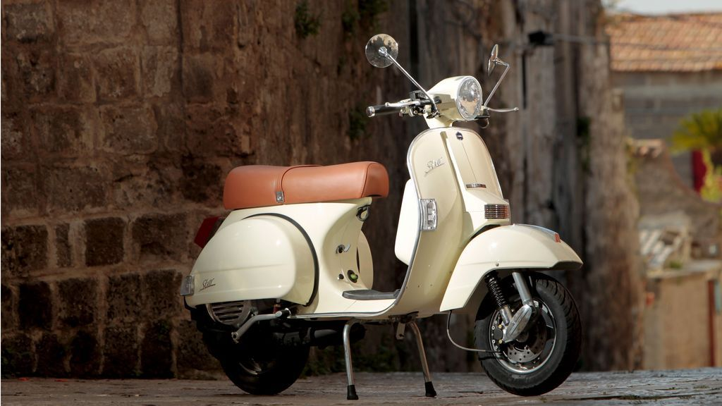 rent vintage scooter 125