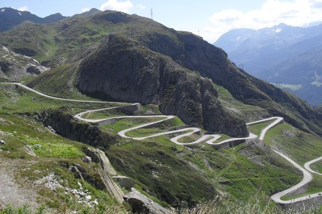motorcycle tour in the Alps