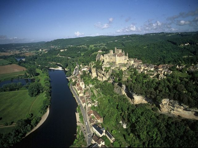 beynac-motorcycle-rental