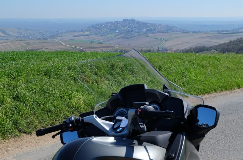 motorcycle-loire-valley-Sancerre