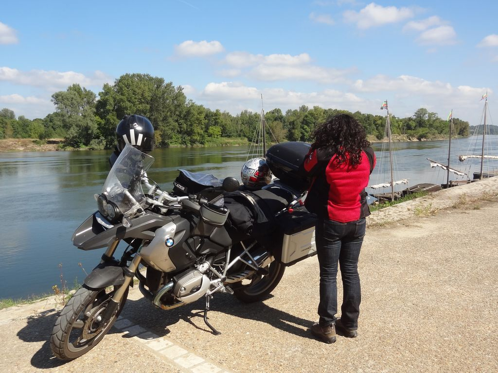 loire-valley-motorcycle-rental