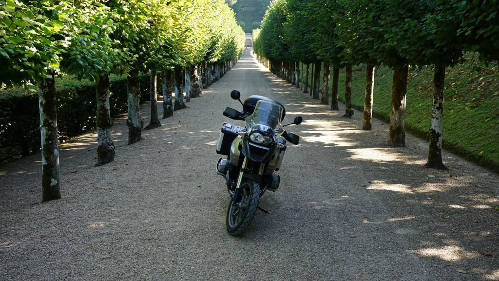 motorcycle-rental-in-tours